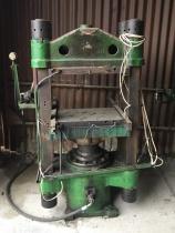 Press 400 x 600
